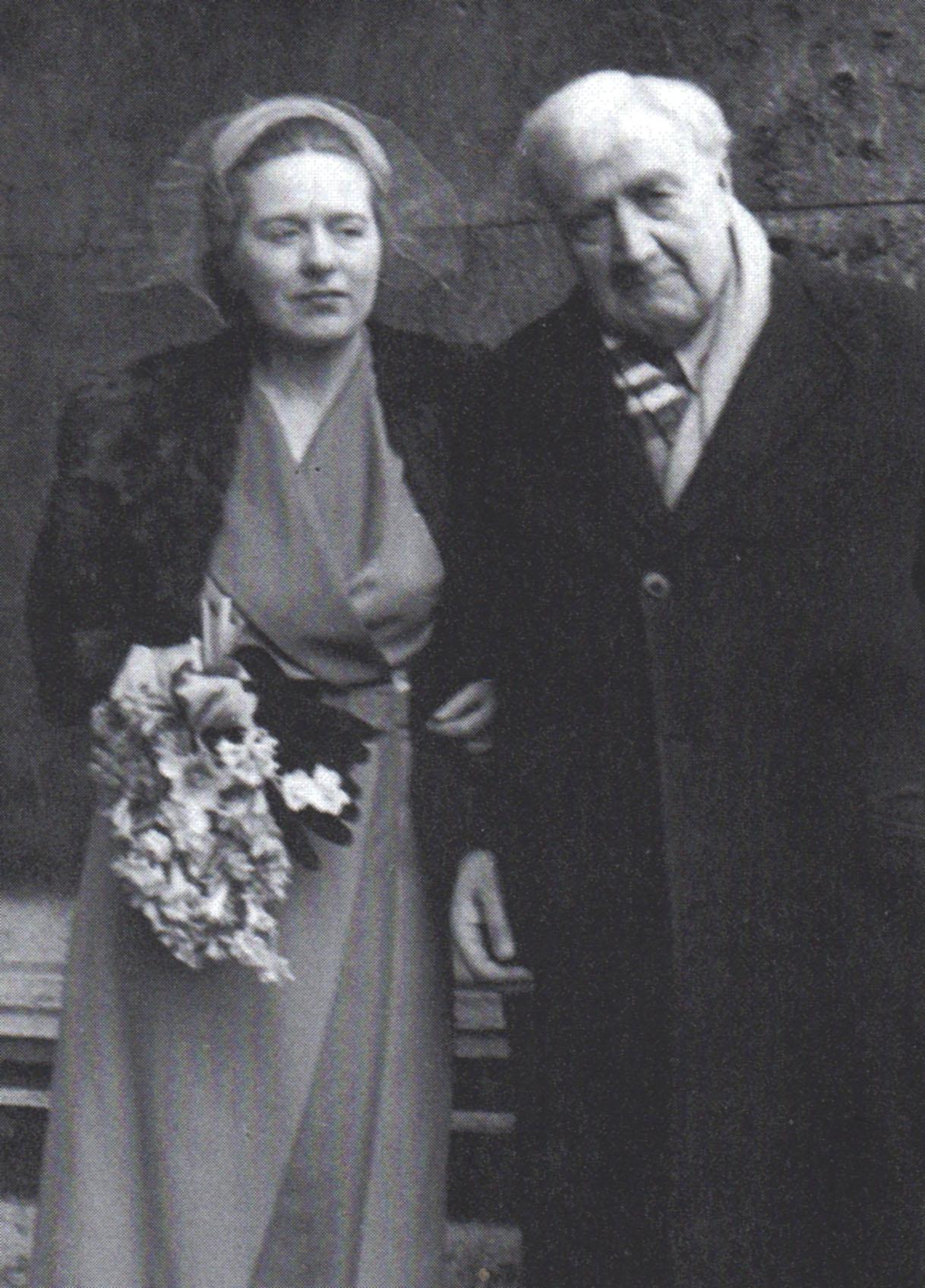 Vaughan Williams marries Ursula Wood